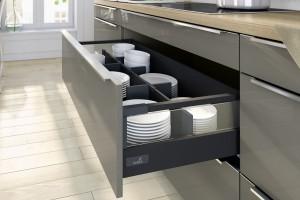 Meble do kuchni - sposób na funkcjonalne szuflady