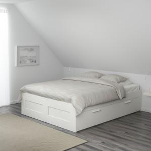 Łóżko Brimnes. Fot. IKEA