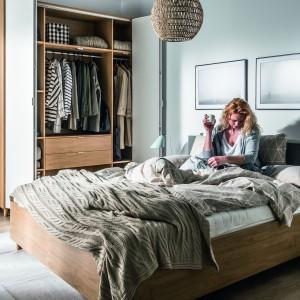 Dla amatorów naturalności i prostoty - sypialnia Simple. Fot. Vox