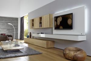 Meble w kolorach drewna w salonie - ciepłe i przytulne wnętrze