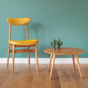 Krzesło i stolik z serii