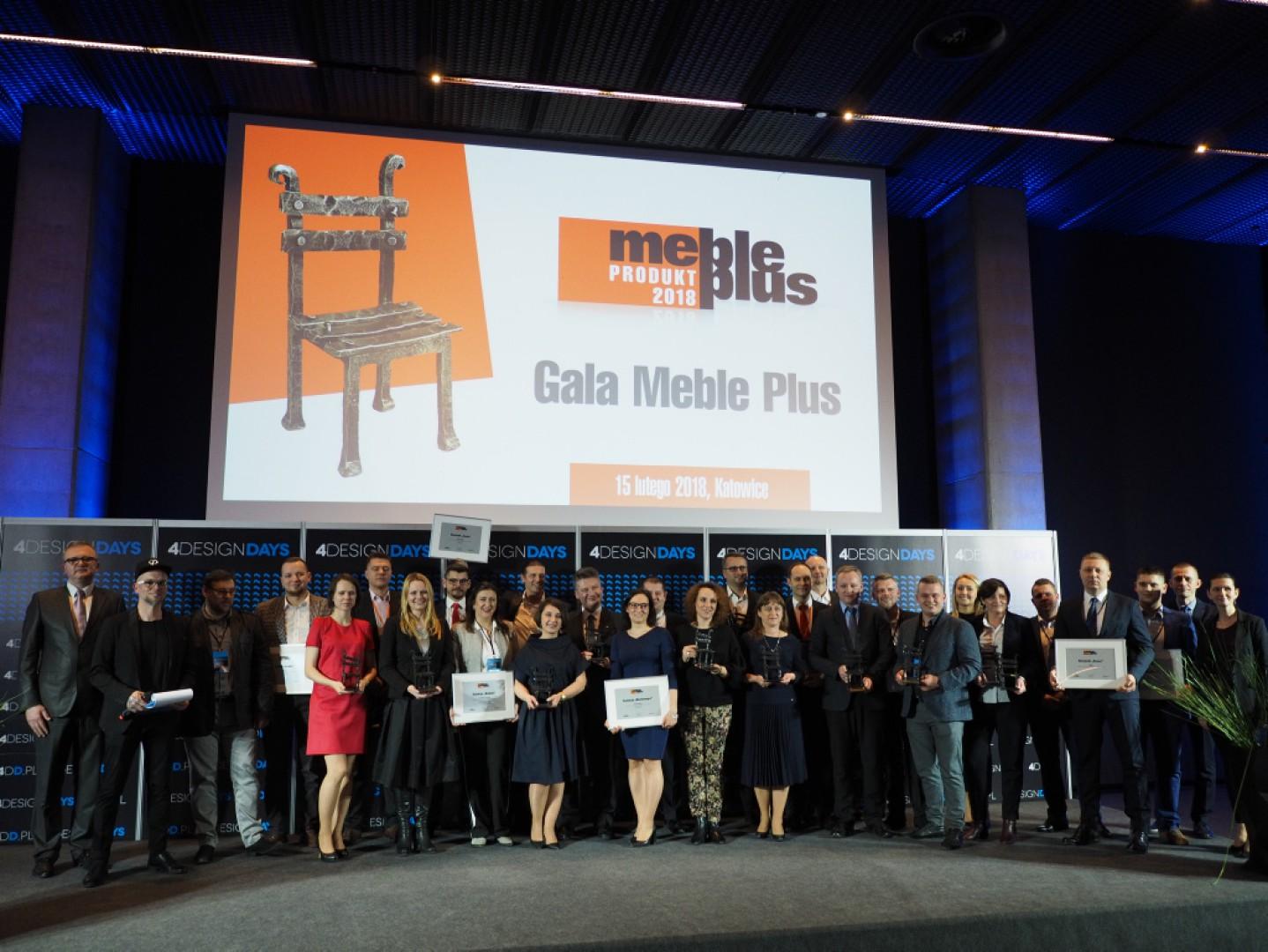 """Laureaci konkursu """"Meble Plus – Produkt 2018"""". Fot. Grupa PTWP"""