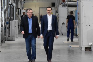 Premier Mateusz Morawiecki odwiedził fabrykę mebli Telmex