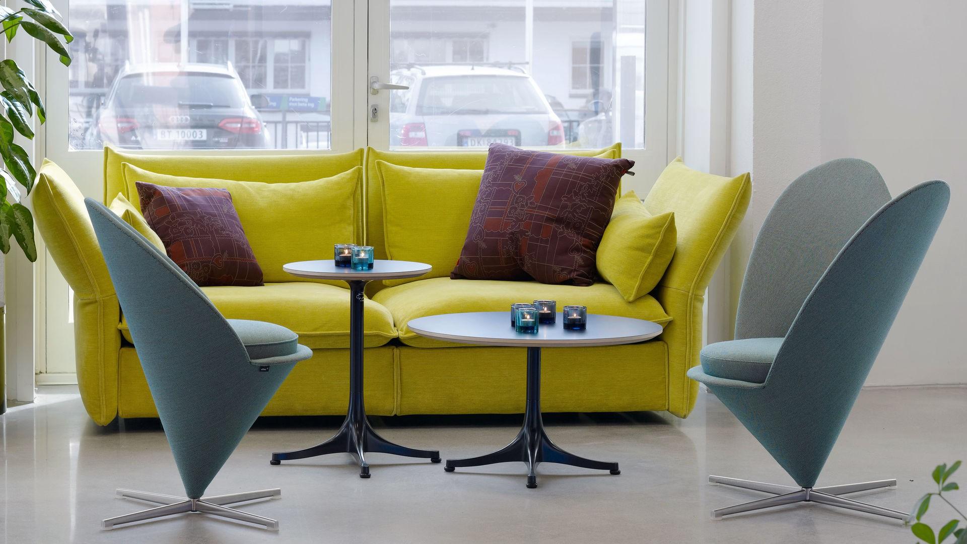 Sofa z serii Mariposa firmy Vitra. Projekt: Barber&Osgerby. Fot. Vitra