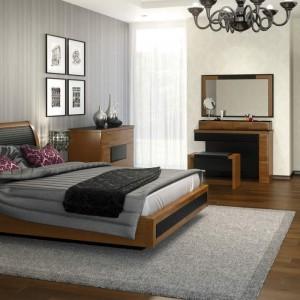 Sypialnia Verano - ciepły odcień drewna połączono tu z elementami skóry. Fot. Mebin