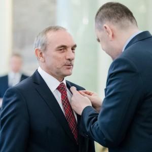 Prezes Jan Szynaka odznaczony przez Prezydenta RP. Fot. Krzysztof Sitkowski / KPRP