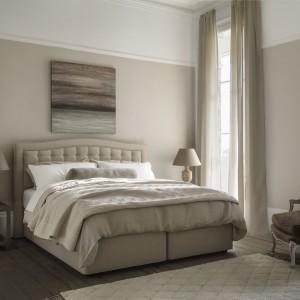 W przypadku stylu glamour liczą się najlepsze materiały, komfortowe materace, ponadczasowe wzornictwo. Fot. Hypnos Beds