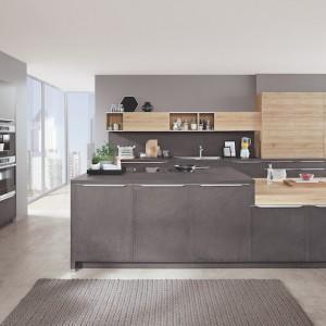 Wielu użytkowników kuchni doceni też fakt, że nowoczesne matowe powierzchnie odporne są na zabrudzenia, nie pozostają na nich również ślady palców, co jest zmorą kuchni błyszczących. Fot. Verle Küchen