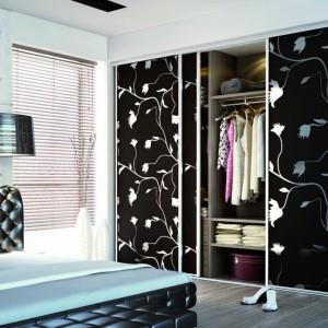 Garderoba z systemem drzwi przesuwnych firmy Sevroll-System. Fot. Sevroll-System