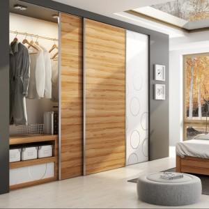 Garderoba z systemem drzwi przesuwnych firmy Laguna. Fot. Laguna