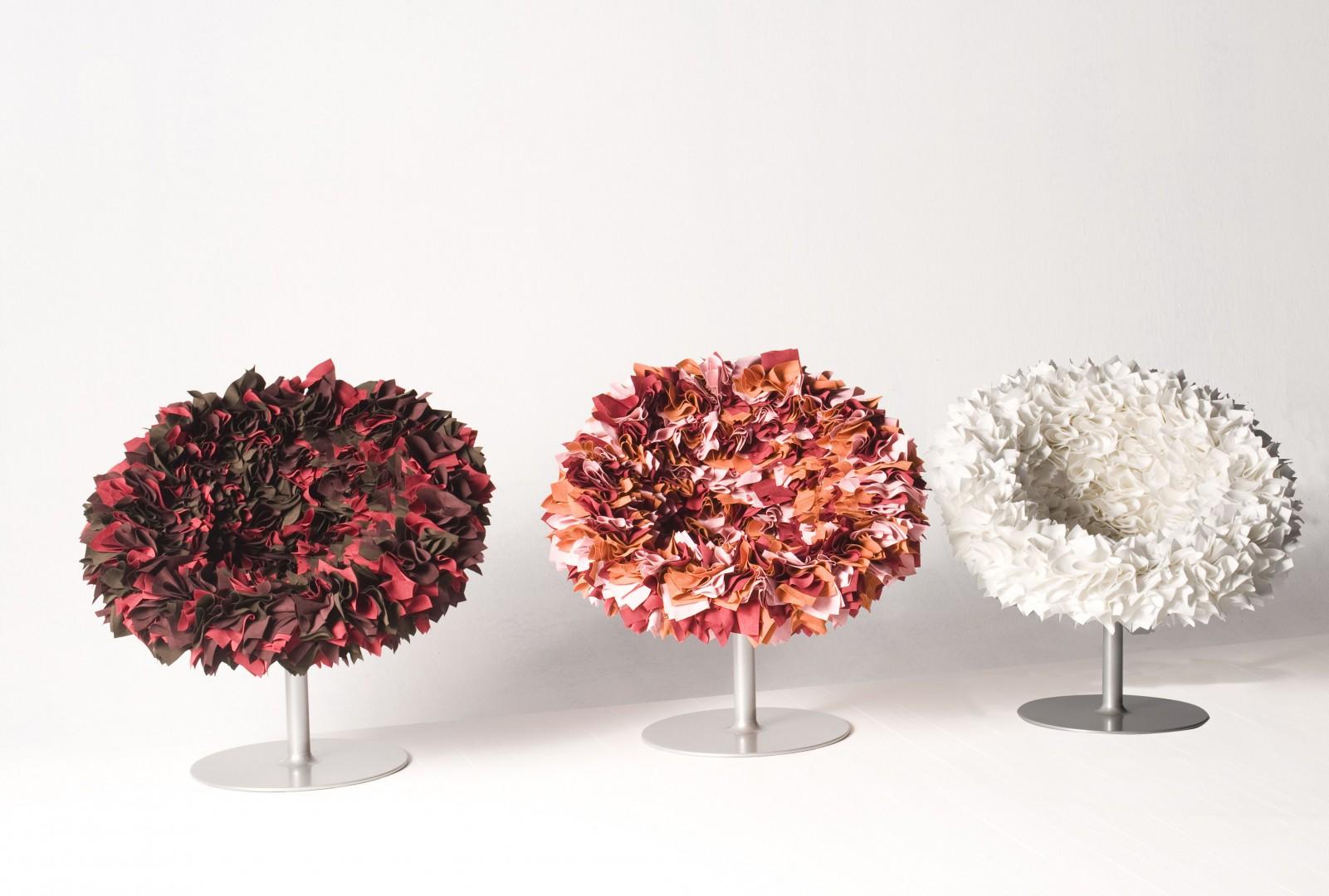 Fotele z kolekcji Bouquet firmy Moroso. Projekt: Tokujin Yoshioka. Fot. Moroso