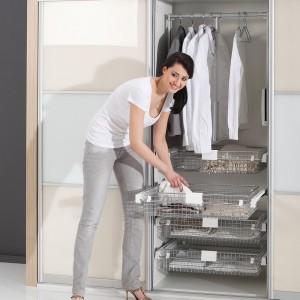 Akcesoria do wyposażenia garderoby firmy Rejs. Fot. Rejs