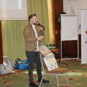 Gość specjalny Artur Indyka, projektant wnętrz, prowadzący program Meblokreacje na antenie Domo+