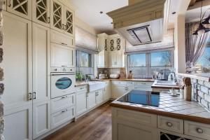 Klasyka w kuchni - wybierz meble w tradycyjnym stylu