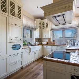 Kuchnia drewniana. Fot. Arino House