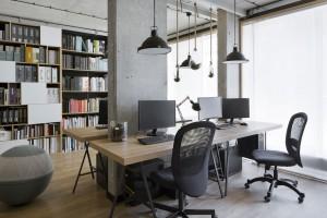 Ekologia i styl industrialny – zobacz wnętrza pracowni Tremend