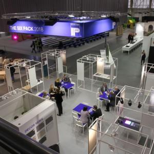 Stoisko Interprint było podczas Arena Design miejscem do wielu biznesowych dyskusji. Fot. Interprint