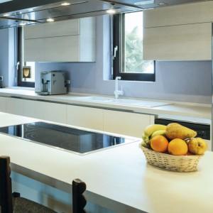 Dostępne na rynku oprawy oświetleniowe mają najróżniejsze kształty, przystosowane są też do różnorodnych zastosowań. Fot. HLT