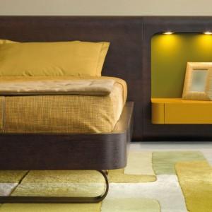 Oświetlenie kreuje również charakter pomieszczenia, w którym ustawiony jest mebel. Fot. HLT