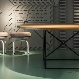 Stół LC 15 firmy Cassina. Projekt: Le Corbusier. Fot. Cassina