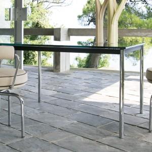 Fotele LC7 firmy Cassina. Projekt: Le Corbusier. Fot. Cassina