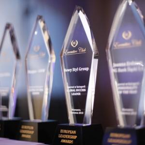 """Statuetkami """"European Leadership Awards"""" uhonorowane zostały przedsiębiorstwa i menadżerowie, którzy wyznaczają kierunki rozwoju polskiej gospodarki. Fot. Executive Club"""