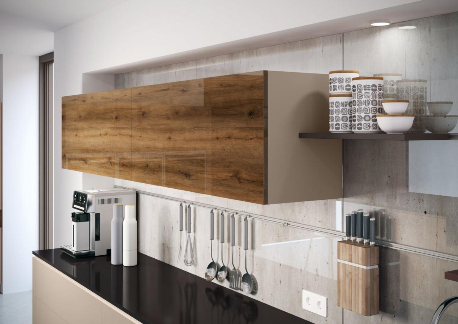 Aby kuchenna aranżacja przetrwała długie lata, projektanci firmy Rehau stworzyli innowacyjne fronty kuchenne Rauvisio crystal decor. Fot. Rehau
