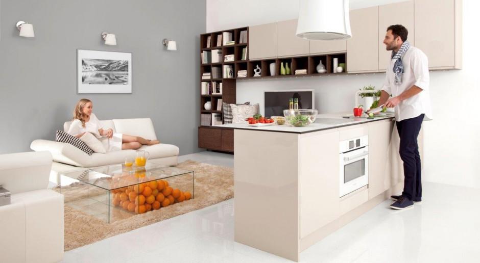 Jak zaaranżować połączenie otwartej kuchni z salonem - 3 sprawdzone sposoby