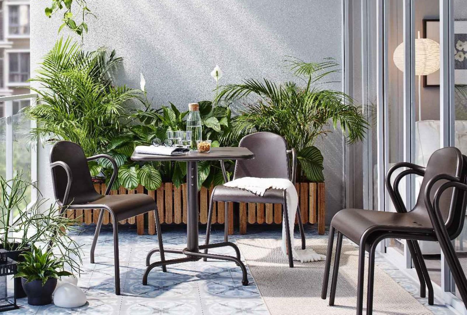 Przy odrobinie starań balkon stanie się atrakcyjnym miejscem wypoczynku. Fot. IKEA