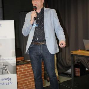 Radosław Pietrak, reprezentujący firmę Rejs
