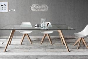 Stoły i stoliki o szklanych blatach - rozwiązanie dla koneserów