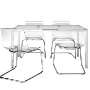 Stół Torsby i krzesła Tobias. Fot. IKEA