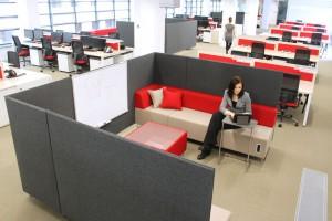 Meble biurowe - jak zaaranżować ciche miejsce pracy?