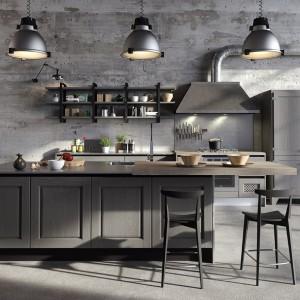 W industrialnej kuchni sprawdzają się odcienie szarości. Fot. Aran