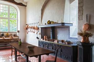 Kamień na blacie kuchennym - nie tylko naturalne materiały