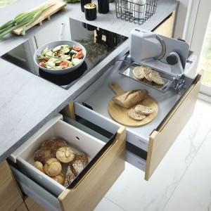 Nowoczesne akcesoria podnoszą funkcjonalność kuchni. Fot. BRW