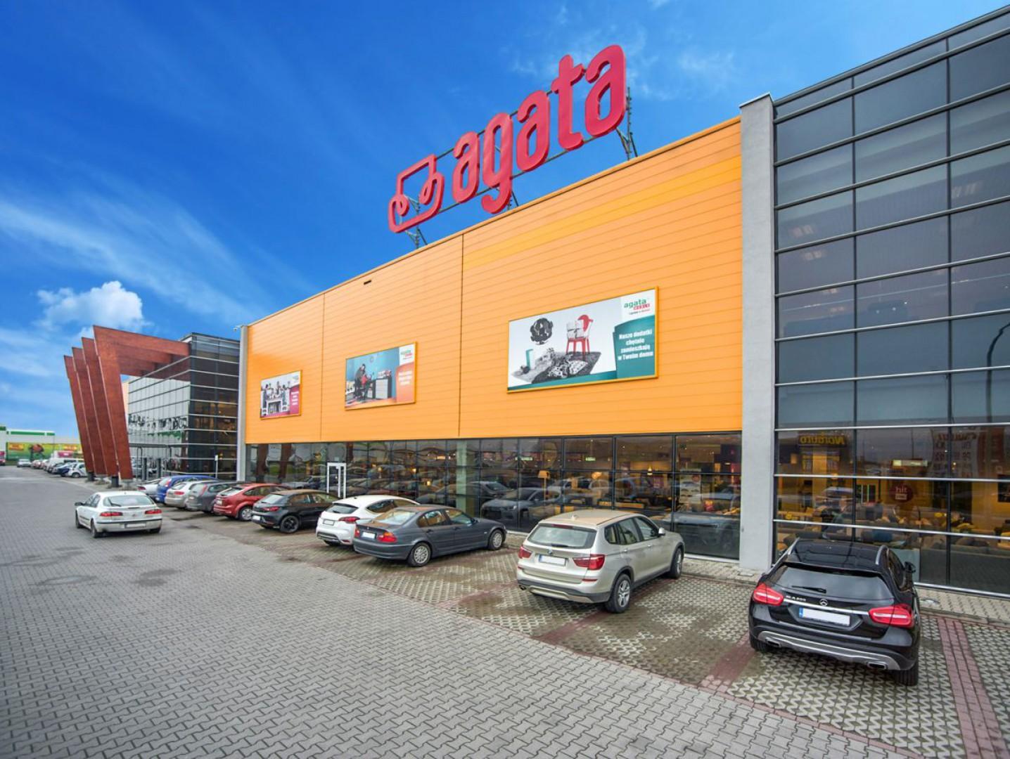 Pierwszy salon sieci Agata powstał we Wrocławiu przy Al. Karkonoskiej. Fot. Agata