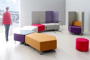 Jak urządzić biurowy chilloutroom - propozycje mebli