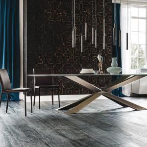 Luksus w połączeniu z minimalizmem - stół marki Cattelan Italia. Fot. Galeria Heban