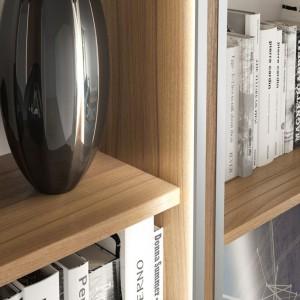 Podświetlenie dużej szafy czy rozległej meblościanki to nie tylko sposób na zwiększenie oświetlenia w pomieszczeniu, ale również ciekawy sposób na odświeżenie wnętrza. Fot. GTV