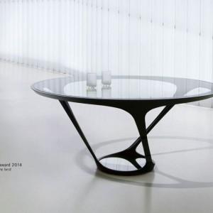 Stół jadalniany firmy Roche Bobois, nagrodzony w 2014 roku