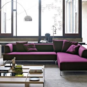 Nowoczesna w formie narożna sofa Solo. Projekt Antonio Citterio. Fot. B&B Italia
