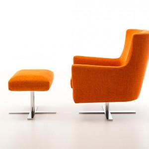 Fotel z podnóżkiem Venus marki Olta, cena 2.560 zł, Italmeble.  Fot. Domoteka
