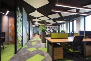 Ergonomia, kolory i funkcjonalna przestrzeń - zobacz projekt biura!