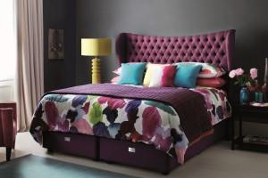 Kolorowe łóżka tapicerowane