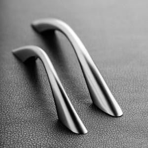 """W 2018 roku nadal największą popularnością cieszą się uchwyty o prostych, minimalistycznych formach. Na zdjęciu: uchwyt """"UZ 04"""" firmy GTV. Fot. GTV"""