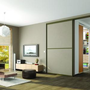 Drzwi przesuwne mogą wydzielać np. garderobę. Fot. Indeco