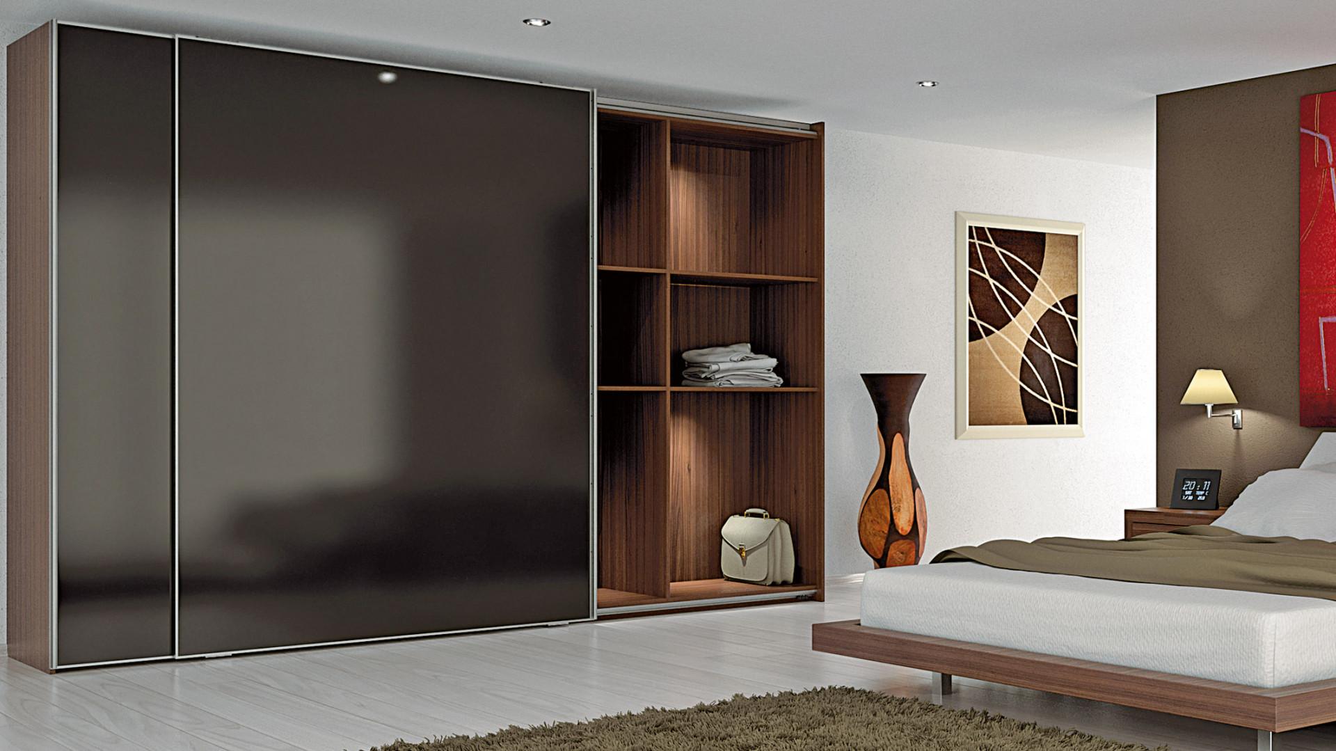 Porządek w szafie i garderobie – dzięki nowoczesnym rozwiązaniom