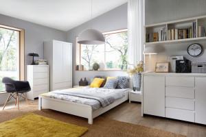 Lubisz czytać przed snem? Urządź małą biblioteczkę w sypialni!
