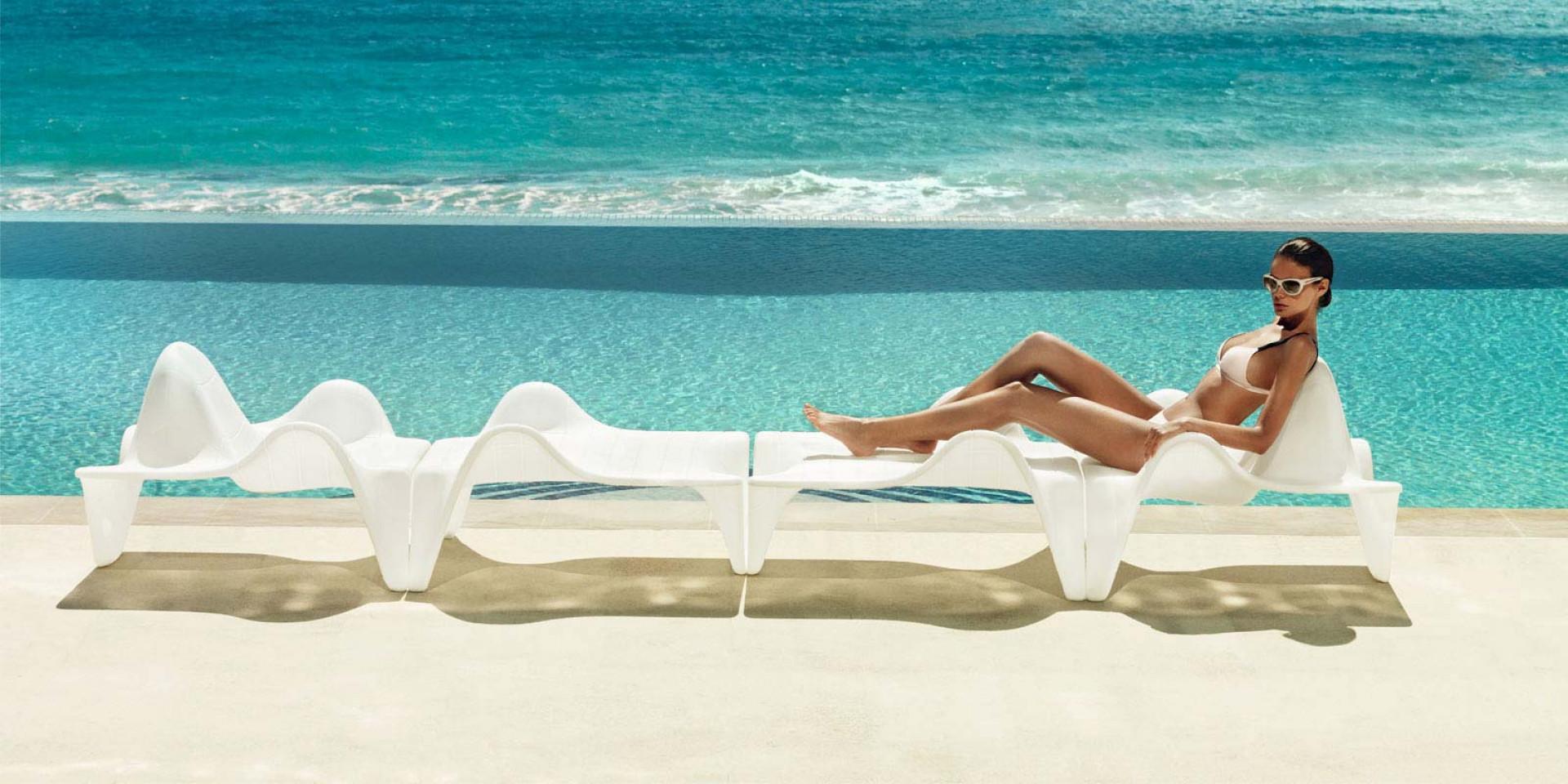 Fotele outdoorowe z kolekcji F3 firmy Vondom. Projekt: Fabio Novembre. Fot. Vondom